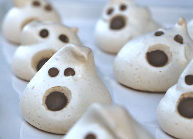 'Twas the Night Before Halloween – Ghostly Cookies